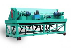 液压式翻堆机